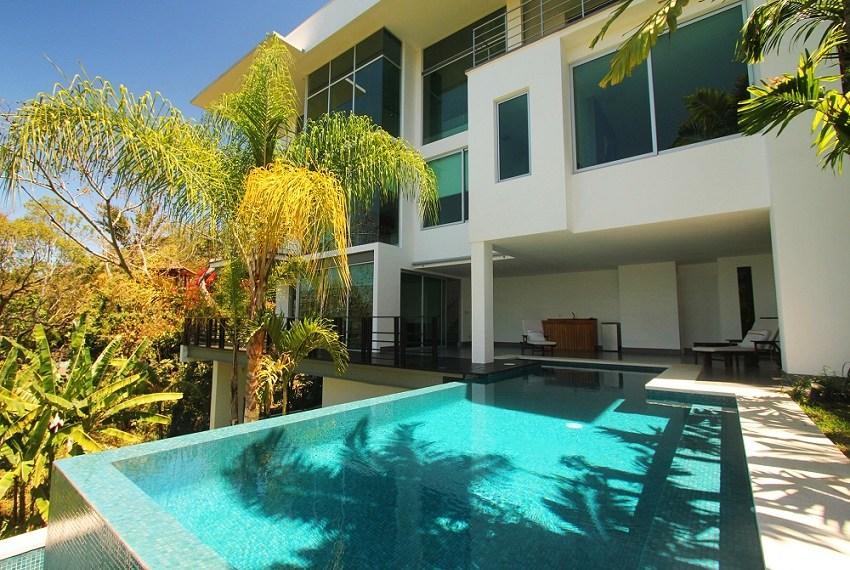 Pool 850x600
