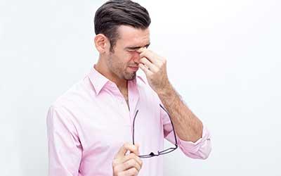 Necesidad emocional del dolor de cabeza