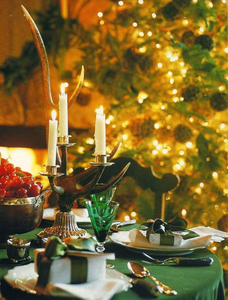 Habitually Chic The Many Colors Of Christmas By