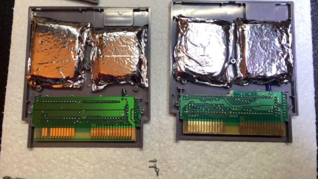 Coleccionista encuentra droga en cartuchos NES