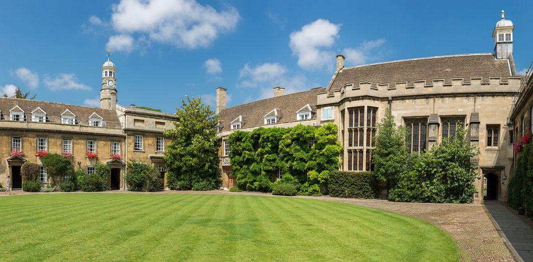 Christ's College de Cambridge donde Charles Darwin estudió para clérigo durante los años 1828-1831. Ubicada en la calle St. Andrew's.