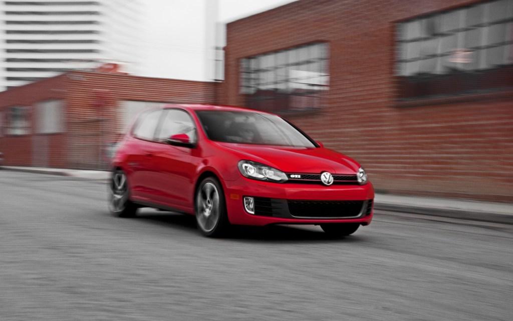 Cutrez; Sonido_Motor_Falso; Volkswagen_Golf_GTI