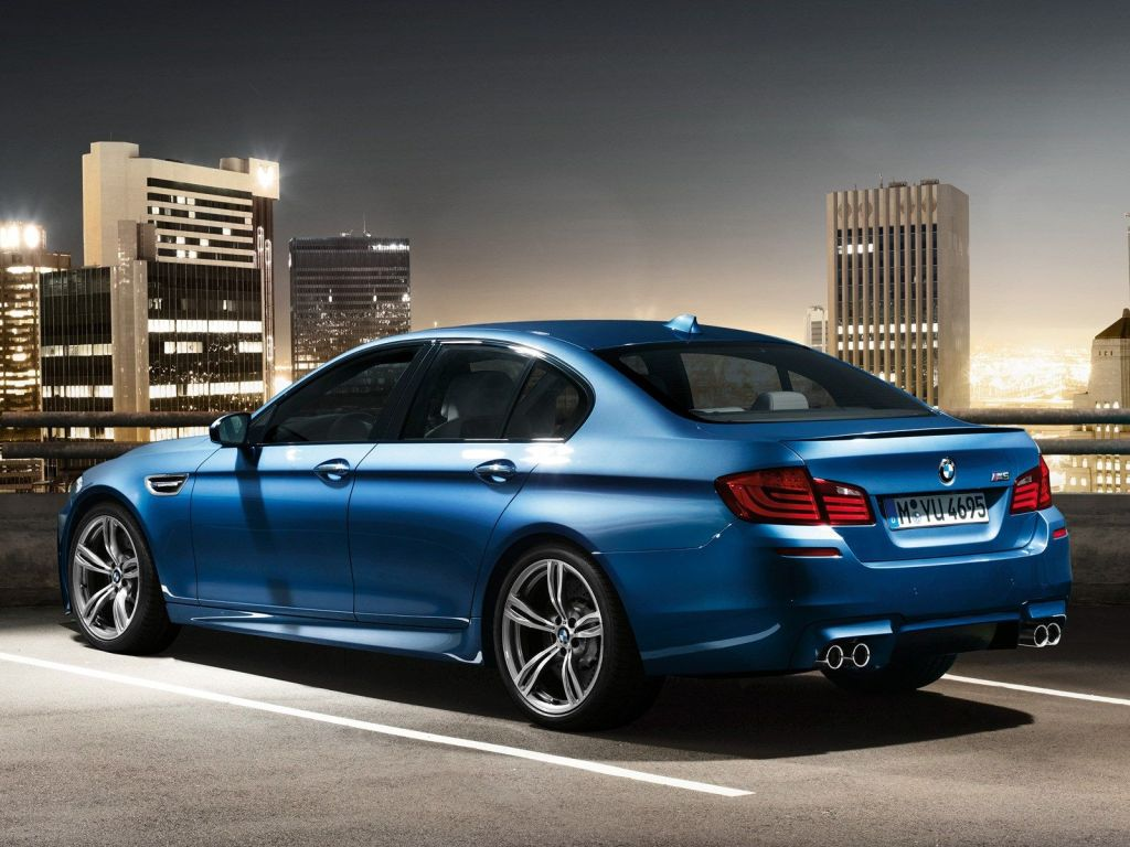 Cutrez; Sonido_Motor_Falso; BMW_M5
