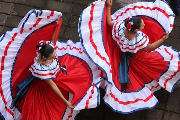 enaguas del traje tipico de Costa Rica