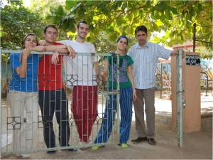 José Luis con sus alumnos    en Matruchhaya