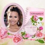 Fotomontaje de marco con taza y bellas rosas