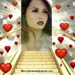 Fotomontaje de escalera al cielo con corazones y palomas