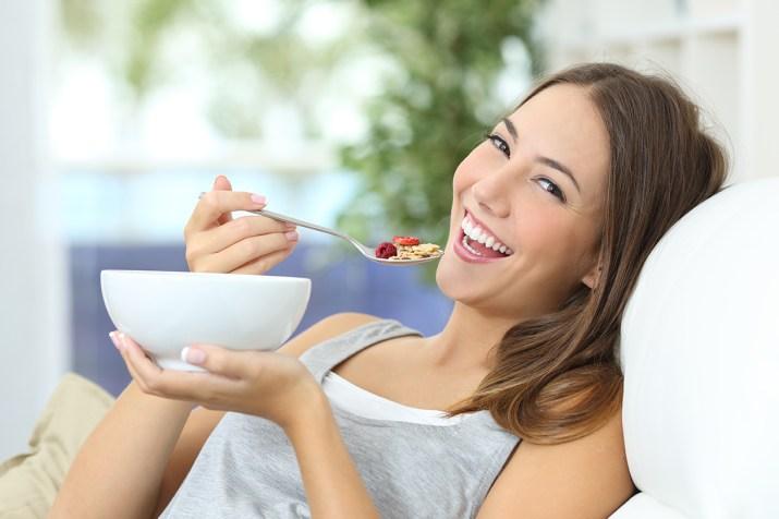 teen eating breakfast.jpg