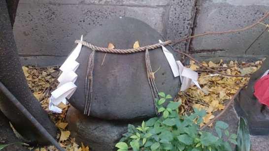 波除神社の蛤石