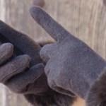 スマホ手袋比較(無印良品vsミドリ安全)スマホ手袋選びは何を重視すべきか