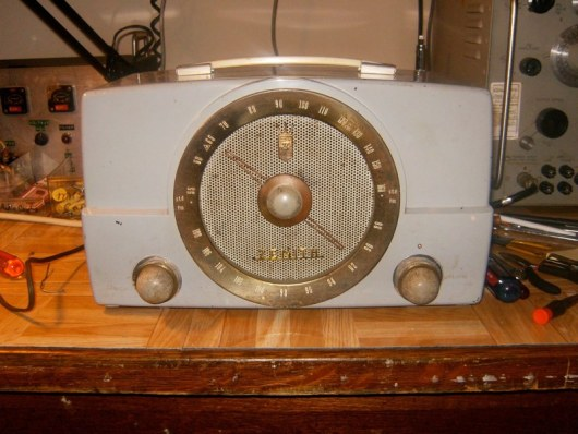 Welcome To The Old School: Restoring Antique Radios | Hackaday