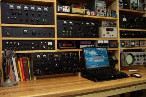 Mark Mandelkern, K5AM, built his entire amateur radio station from scratch.
