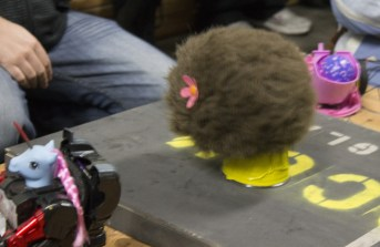 A lady tribble, vibrating her way across the Hebocon ring