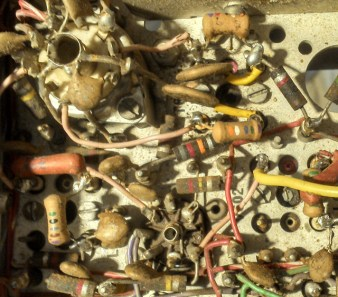Solder tags aplenty in a commercial transmitter from the early 1960s