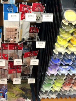 Interesting tools and more pigments.