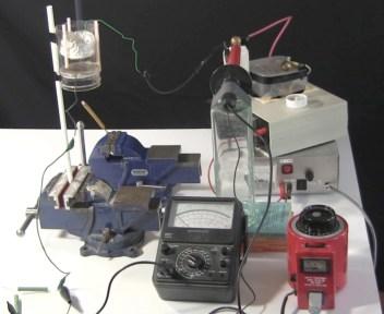 Measuring voltage for a smoke precipitator