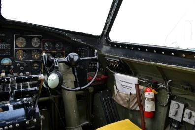 b17_cockpit2
