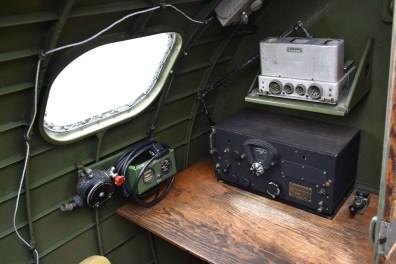 b17_radio1