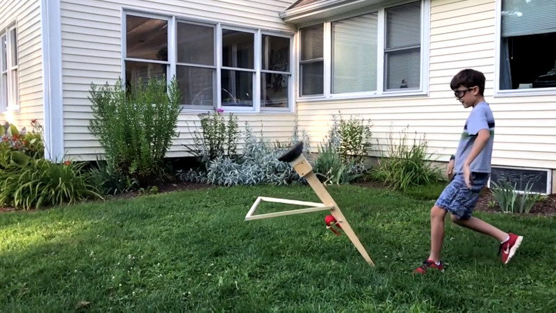 Walking Arm Trebuchet Is Different, But Effective