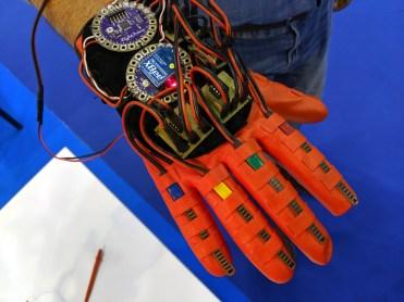 MFR19-ROBOHAND-control-glove