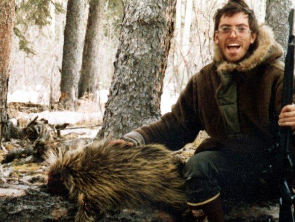 在克里斯的最後一個旅程-阿拉斯加荒野中,紀錄自拍的生前照片顯得意義非凡