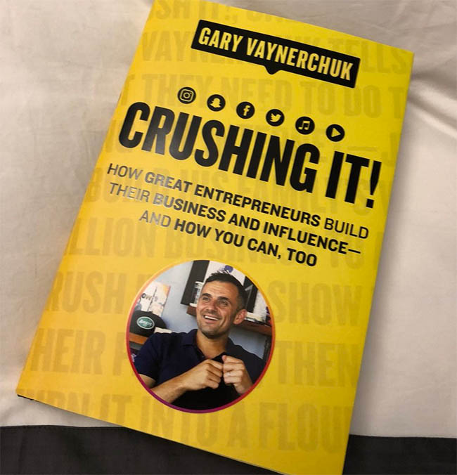 Crushing It - How Great Entrepreneurs Build Their Business and Influence-and How You Can, Too by Gary Vaynerchuk