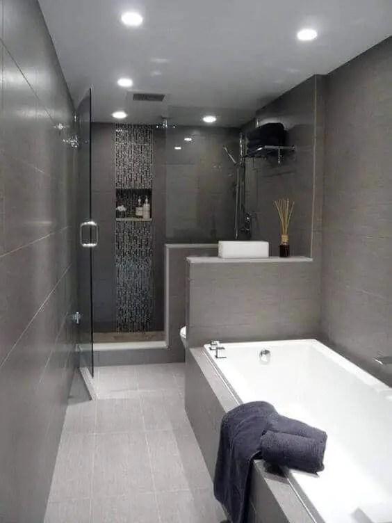 39 Galley Bathroom Layout Ideas to Consider on Modern:kkgewzoz5M4= Small Bathroom  id=61102