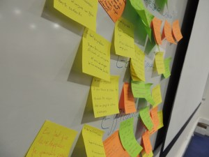 Post-it power! Photo : @maliciarogue (CC-by-SA 3.0)