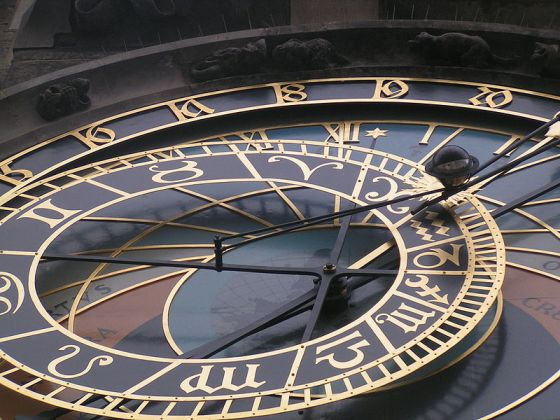 800px-Horloge_astronomique_Prague_detail