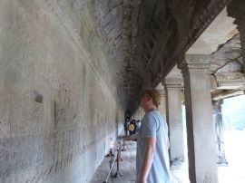 Die Galerie mit den Reliefs