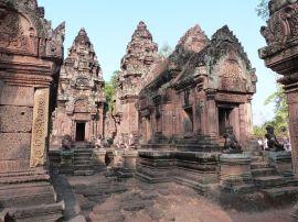 Die Schreine im Innern des Tempelbezirks