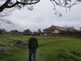 Kontrast zwischen zerstörten Partien und dem wieder aufgebauten kaiserlichen Theater in der Purpurnen Stadt