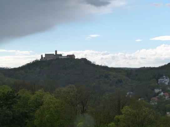 dramatische Wolken über der Wartburg