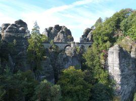 Blick auf die Basteibrücke von der Felsenburg Neurathen