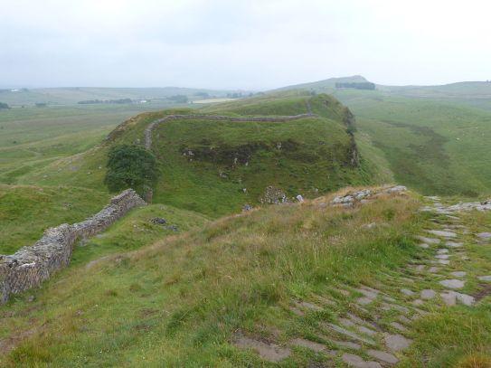 Hoch und runter verläuft die Mauer entlang der Craigs