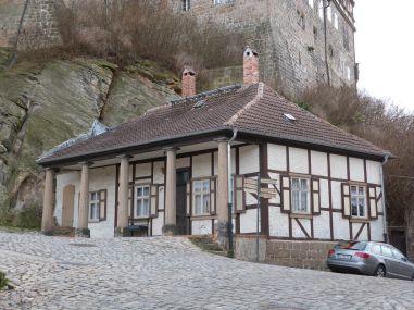 Klassizistischer Fachwerktraum auf Fuß des Schloßberges