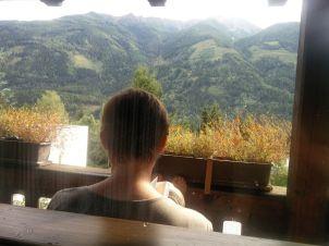 Idylle mit Bergblick auf dem Balkon unserer Ferienwohnung
