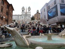 Auch die Spanische Treppe erstrahlt dank der von Bulgari finanzierten Restaurierung wieder