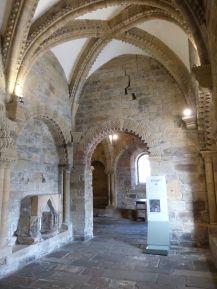 Normannische Kapelle im Keller des Castle