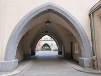 Gedrungene Formen im Liebknechthof