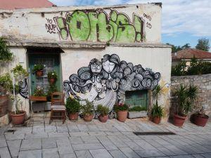 Street Art auch auf dem Weg auf die Akropolis