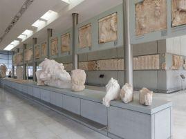 Im Akropolismuseum