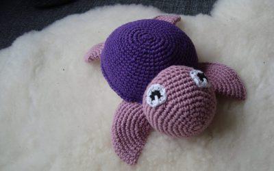 Lille hæklet skildpadde