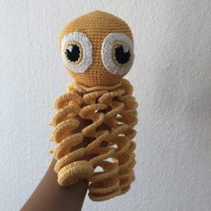 Hæklet blæksprutte i gul 5