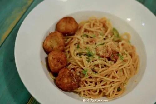 spaghetti-marinara-meatball