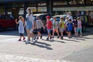 Kinder sollte man vor der homophoben katholischen Ideologie schützen.