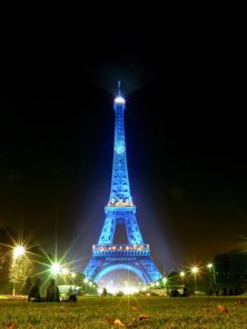 Eiffel_Tower_in_Blue_Light_by_rvx