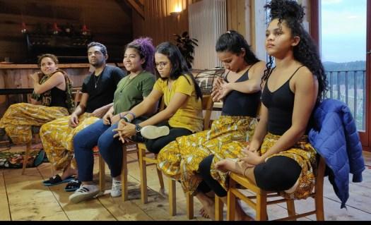 Die Akteure beantworten Fragen aus dem Publikum mit zum Teil erschreckenden Information aus ihrer Heimat
