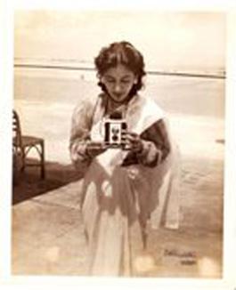 sushil-kaur-manila-1946-2.jpg