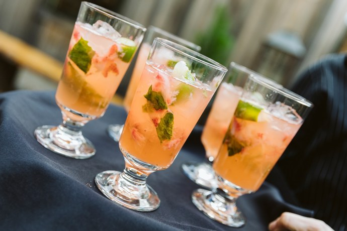 summer cocktails at Maine wedding